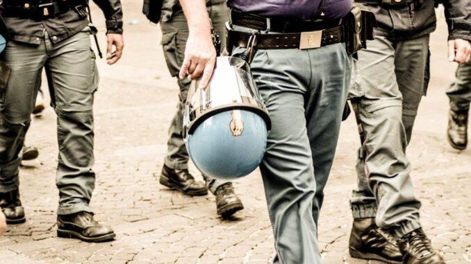 Tentata invasione di campo ad Aci Sant'Antonio: 4 Daspo del questore di Catania