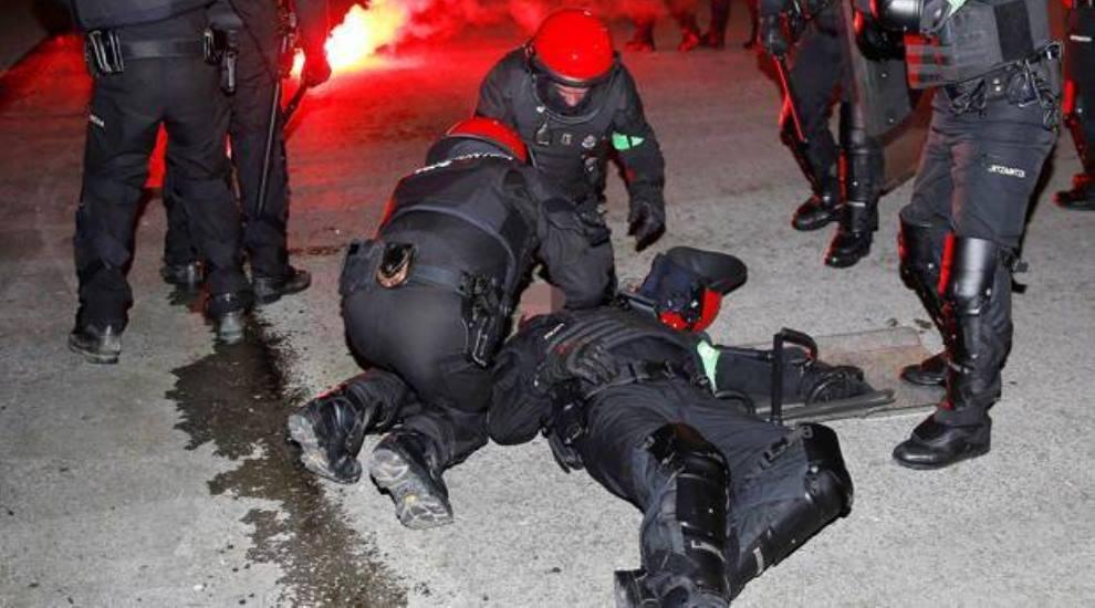 Spagna: scontri durante il match a Bilbao, muore poliziotto