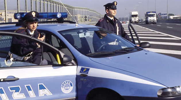 Polstrada salva un uomo sulla Siracusa-Catania
