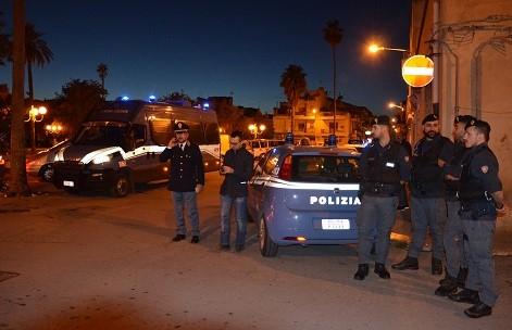Ragusa, sputa addosso ai poliziotti e li aggredisce: arrestato colombiano
