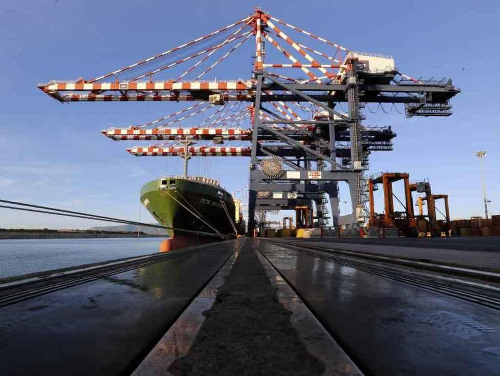 Porto di Gioia Tauro, 10 giorni di sciopero contro 400 licenziamenti
