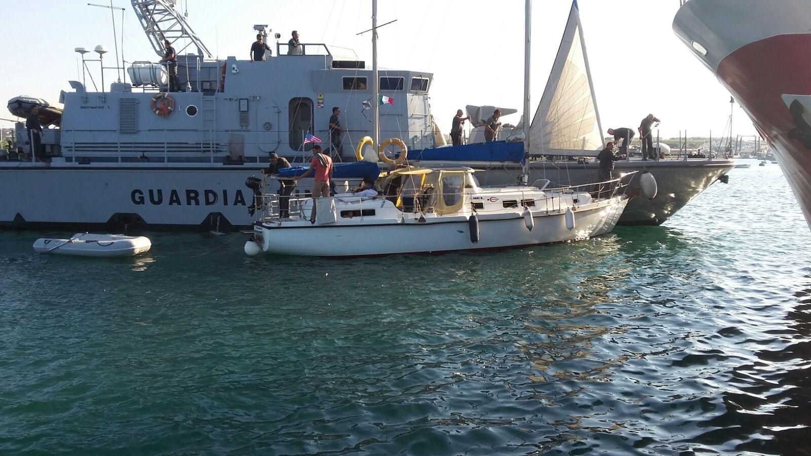 Cinquanta migranti in barca a vela  sbarcano a Portopalo
