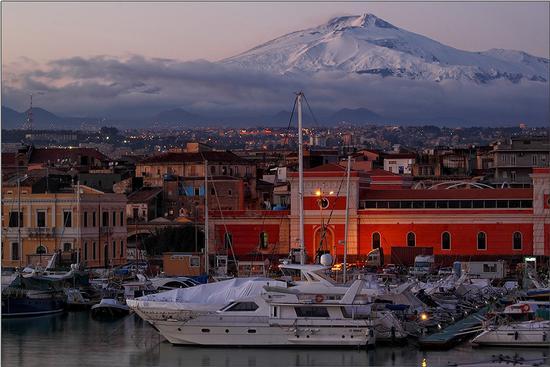 Area abusiva al porto di Catania, indagato un imprenditore