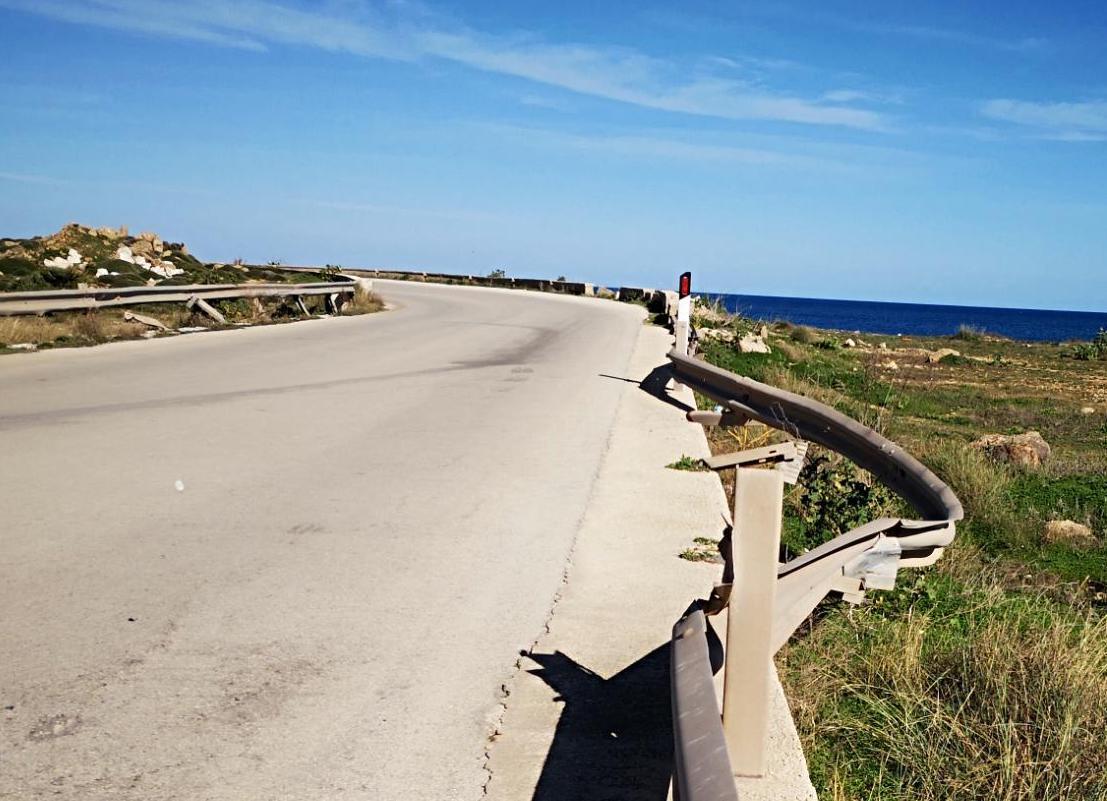 Provinciale Portopalo - Marzamemi senza guard rail: è strada a rischio