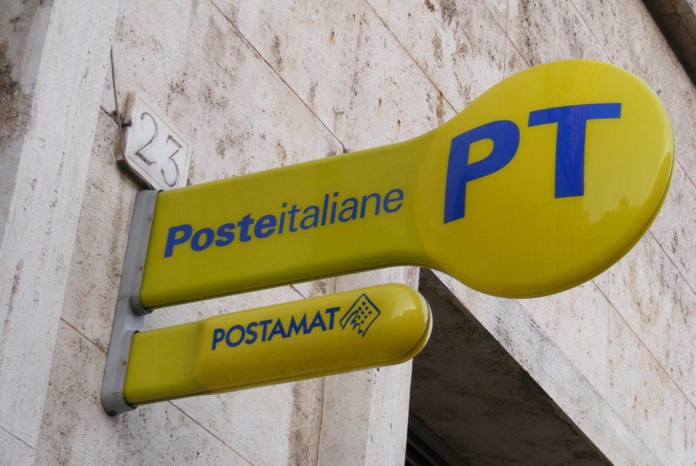 Ravanusa, abbattono muro Poste: rubano pochi euro