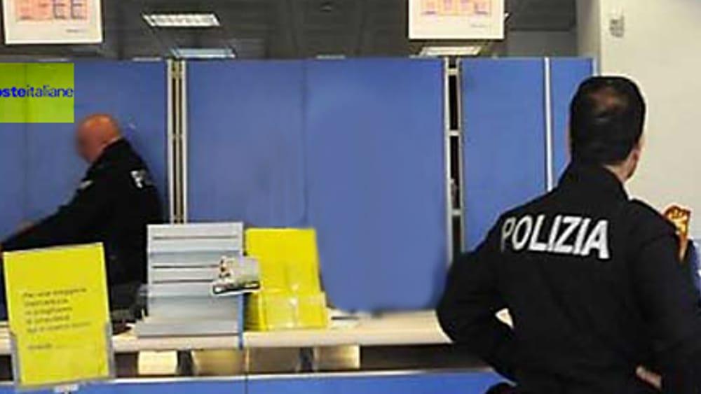 Palermo, minaccia un'impiegata  delle Poste di sfregiarla: arrestato