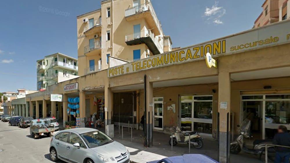 Colta da malore durante una rapina alle Poste a Palermo: uno preso