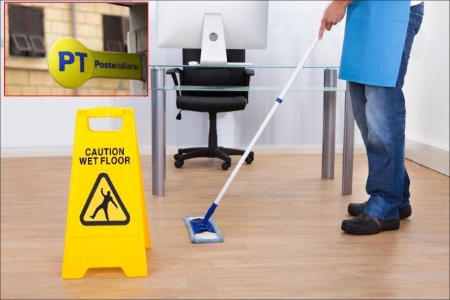 Catania, taglio agli orari lavorativi alla Posta: pulizieri in protesta