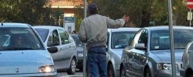 Catania, 'avviso orale' per sedici parcheggiatori