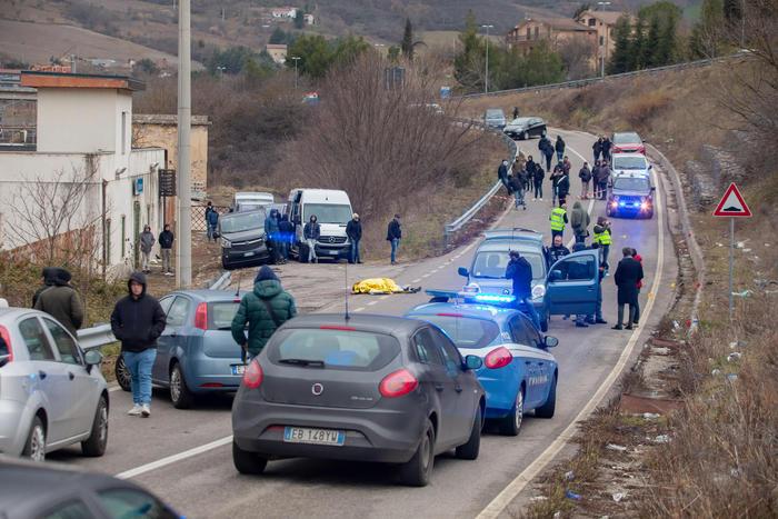 Investiti da auto tifosi rivali, un morto ed un ferito gravissimo a pochi chilometri tra Potenza