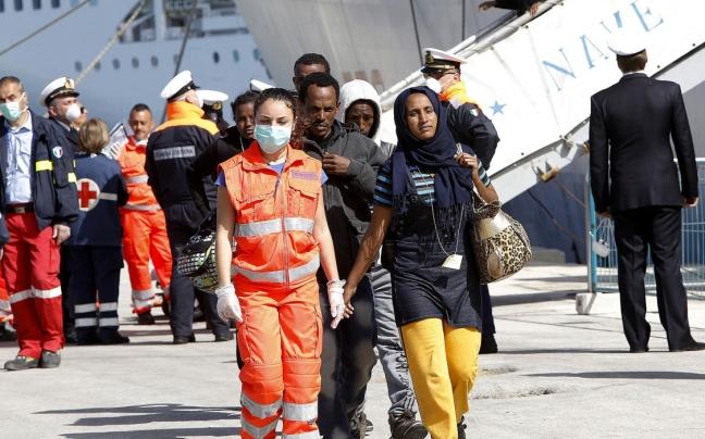 Migranti sbarcano a Pozzallo, su 252 diciannove ricoverati
