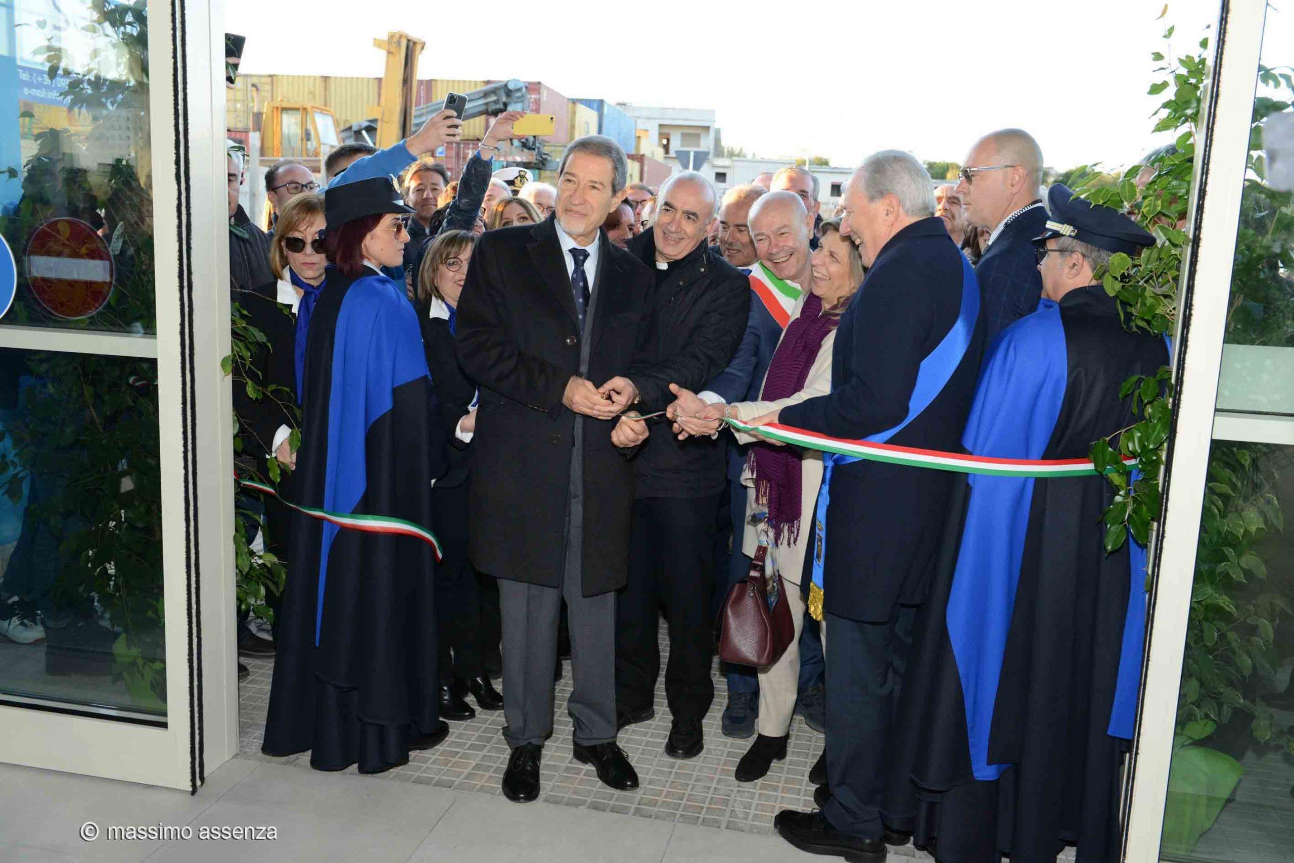 Pozzallo, inaugurata la stazione passeggeri al porto: l'iter cominciò 20 anni fa