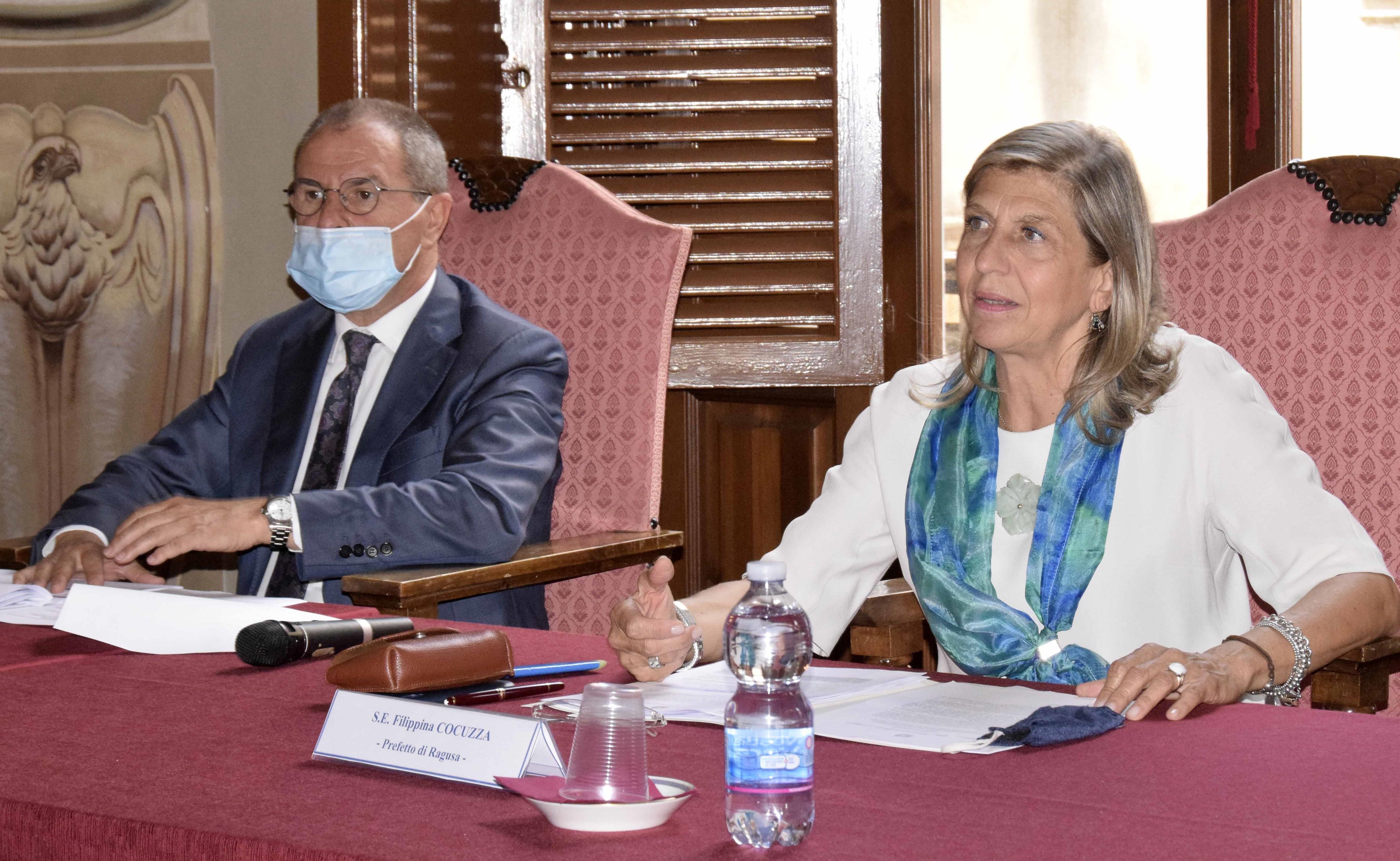Ragusa, lotta al caporalato: vertice in Prefettura con l'assessore regionale Scavone