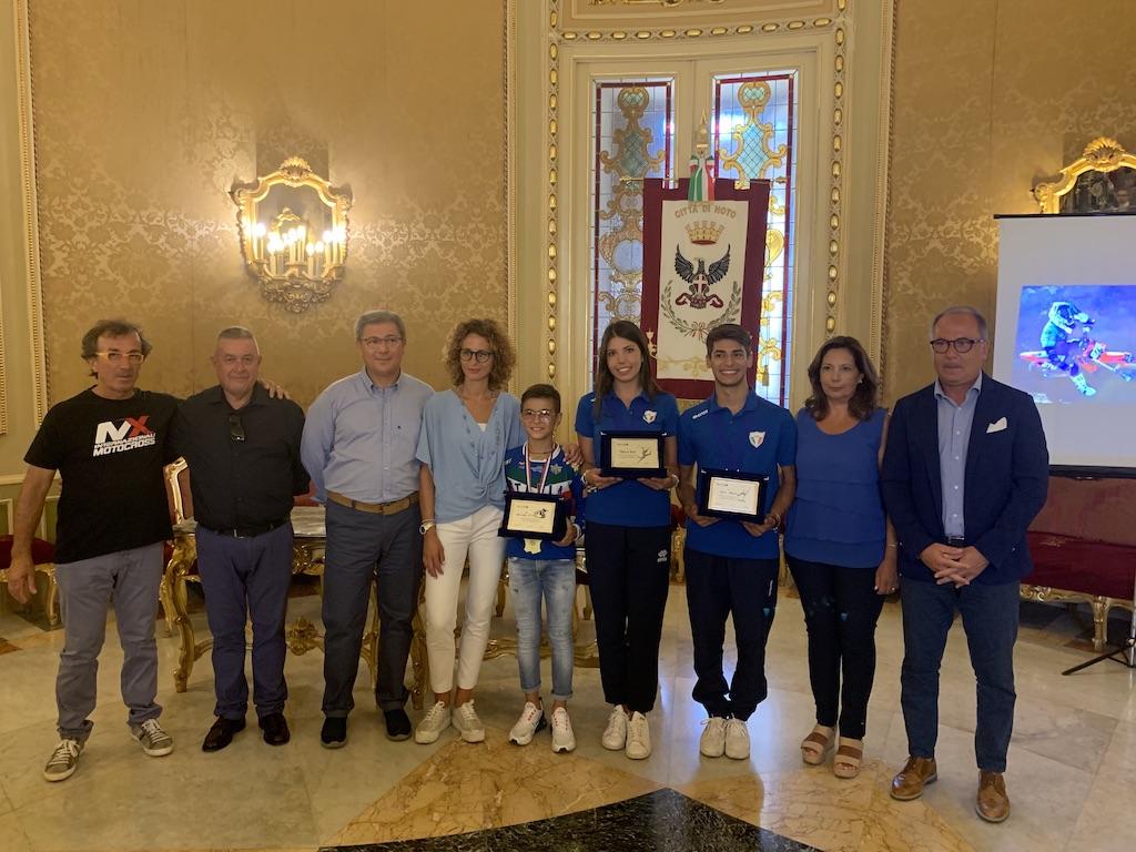 Noto, premiati al Ducezioi campioni locali dello sport: Di Pietro, Italia e Adernò