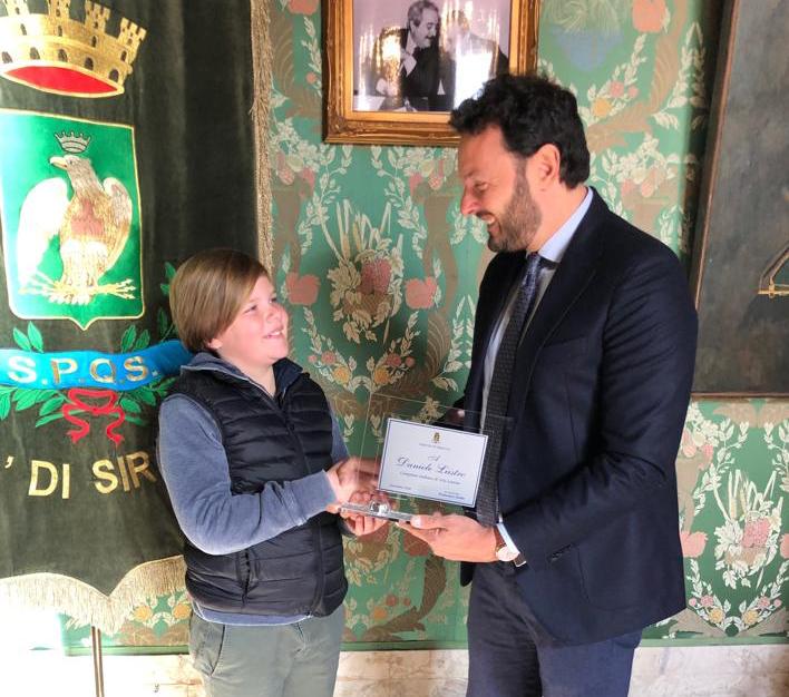Vela, il sindaco di Siracusa premia il giovane campione Daniele Liistro