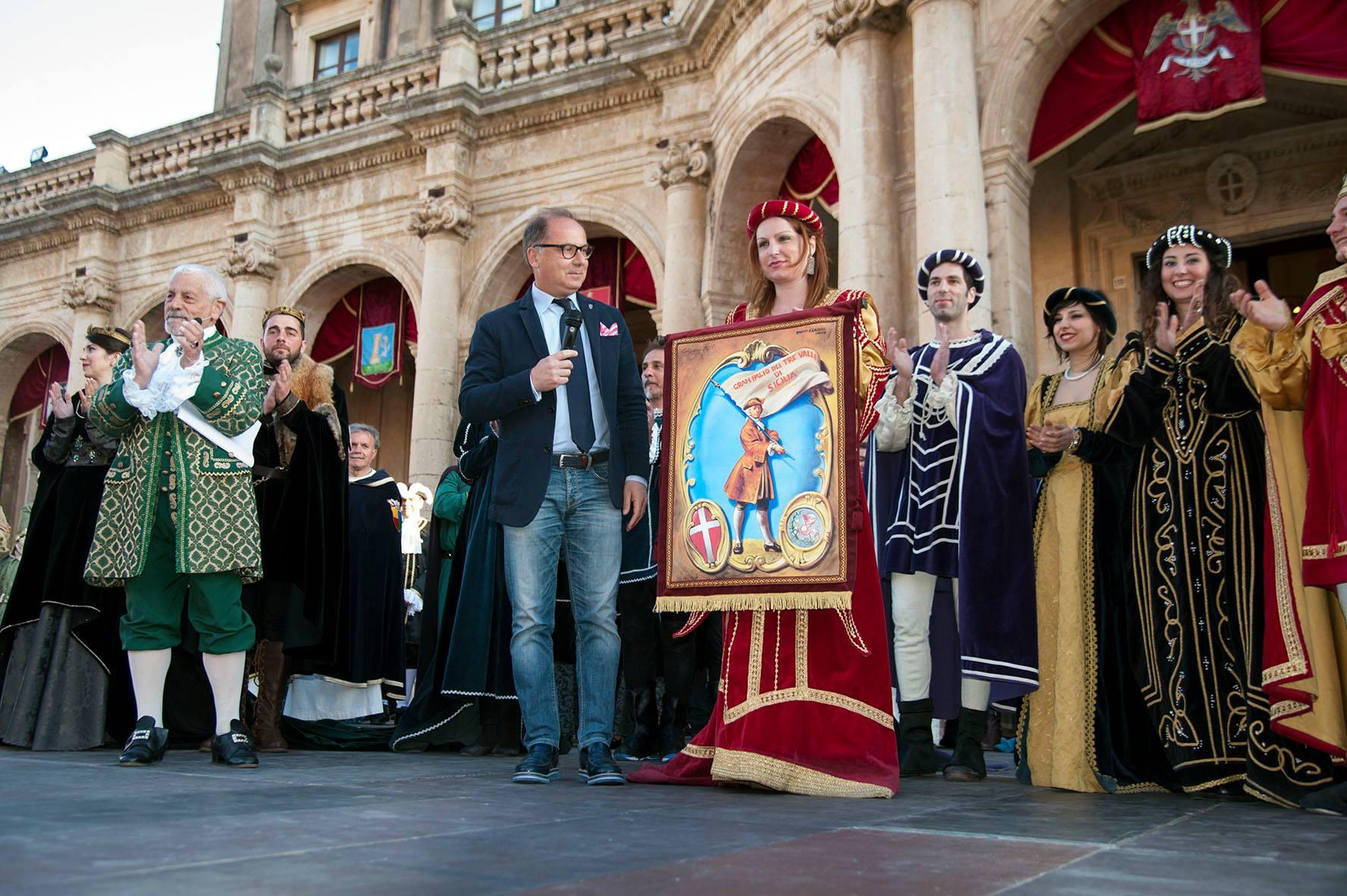 Corteo barocco di Noto, il primo posto ai figuranti di Castelbuono