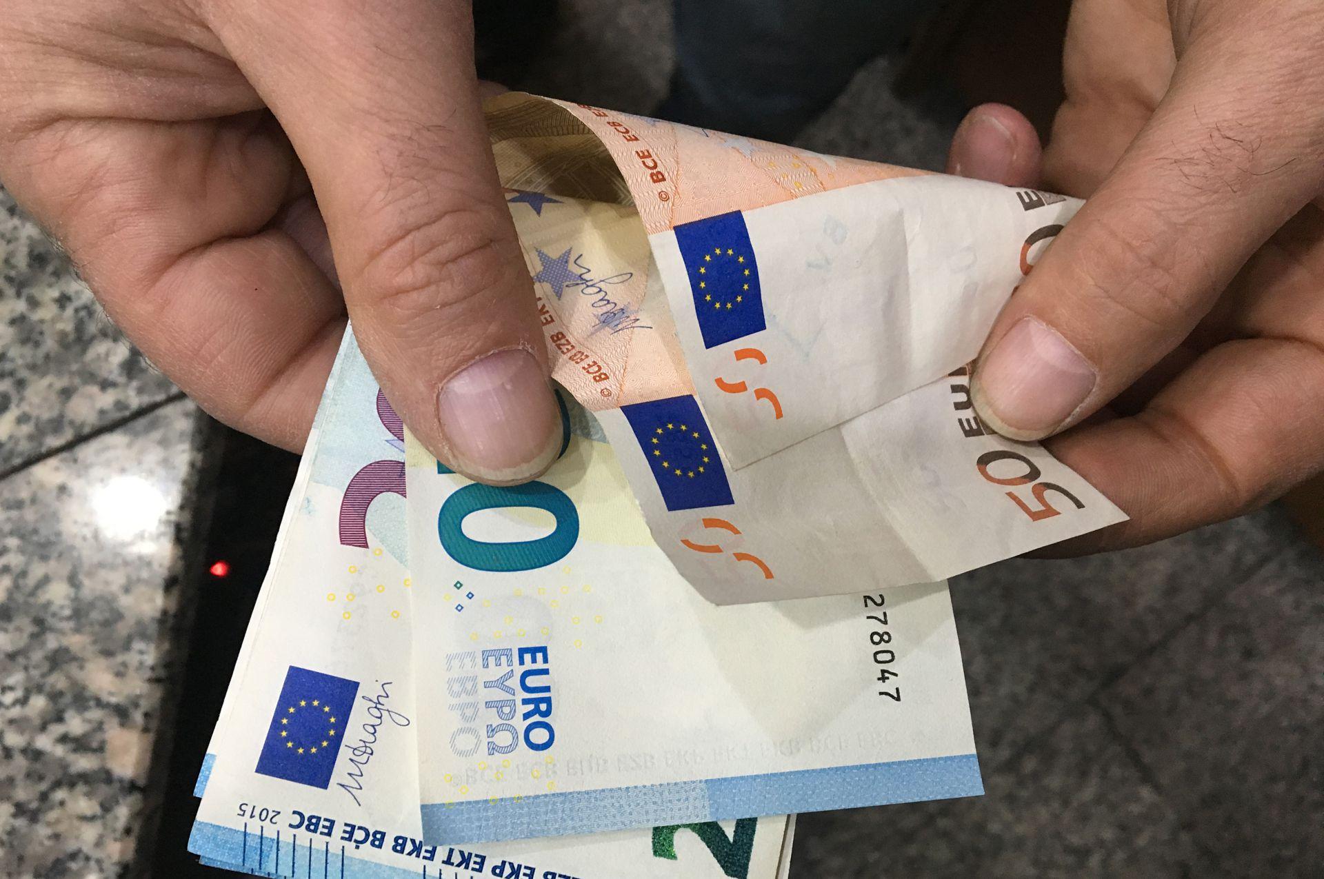 Prestiti a tassi illegali, sei ordinanze di custodia cautelare a Taranto