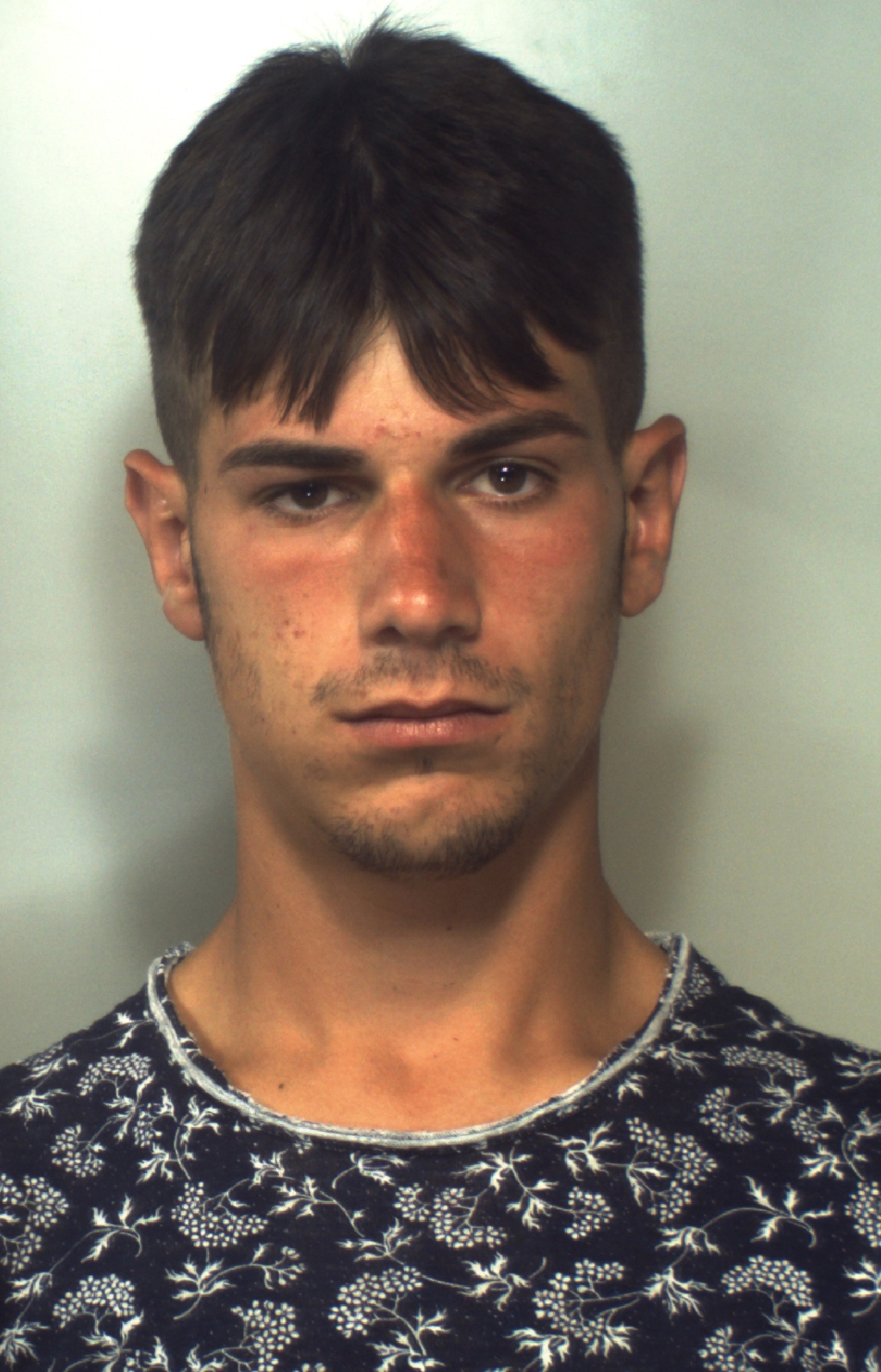 Catania, trovato con marijuana e denaro: arrestato