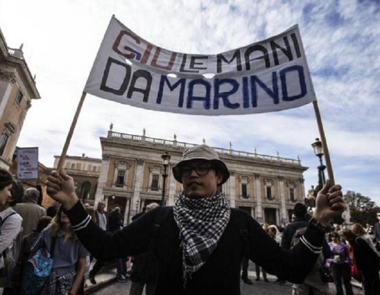 Un'altra manifestazione a Roma pro sindaco Marino