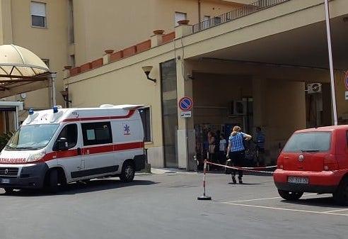 Zig zag con l'auto nelle strade di Catania, imbottita di ecstasy: denunciata