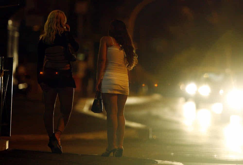 Prostituta aggredita con l'acido a Torino, è grave