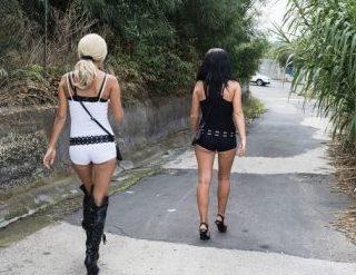 Lotta alla prostituzione a Lentini: espulsa una ragazza romena
