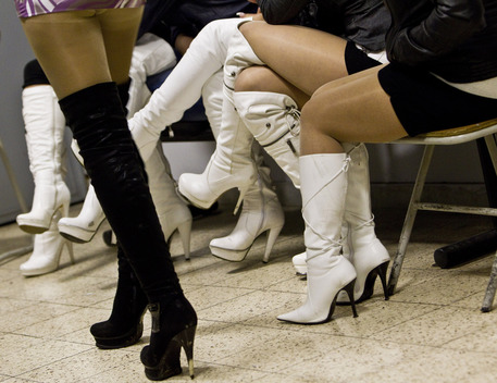 Prostituzione, anche un dentista in manette a Catanzaro