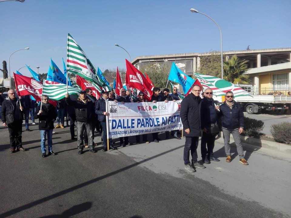 Cmc, sit-in delle imprese siciliane a Catania: subito 50 milioni o falliamo