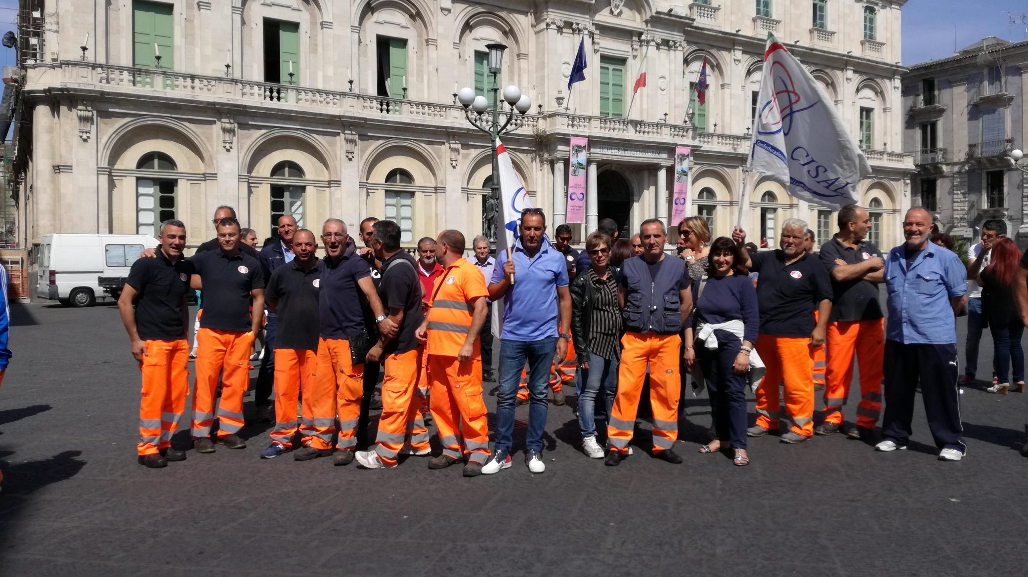 Vertenza Multiservizi, protesta a oltranza a Catania