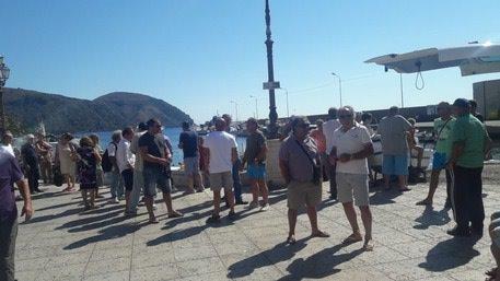 """Protesta dei pescatori a Lipari: """"Sostegno per la marineria locale"""""""