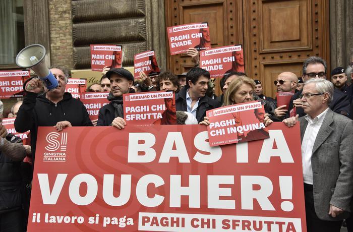 Referendum, sì all'abolizione dei voucher: transizione fino al 31 dicembre