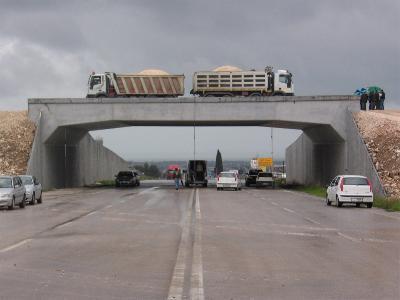 Palermo, prove di carico del Cas su ponti e viadotti delle A18 e A20