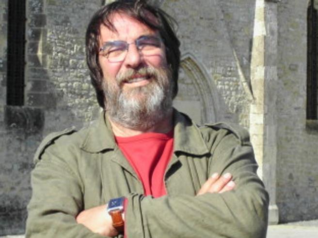 È morto Sandro Provvisionato, giornalista del Tg5 e di