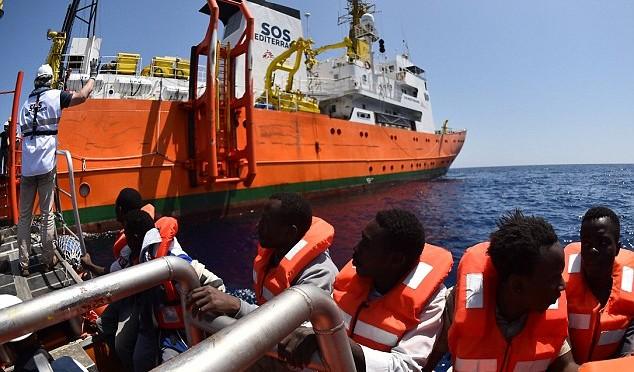 """Catania, domattina arriva la """"Prudence"""" di Msf: sbarcherà sei migranti morti"""