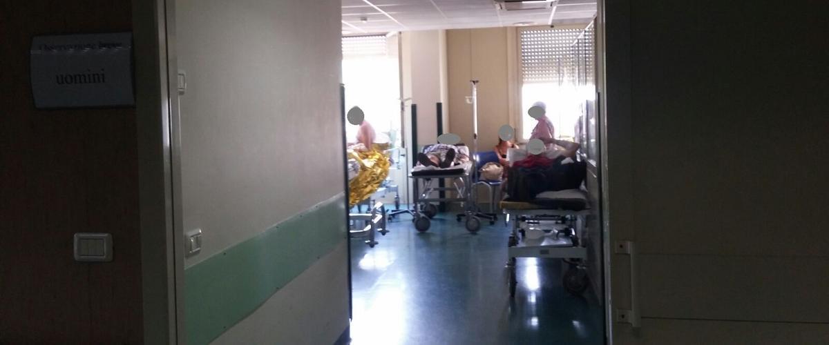 Pestata a sangue dal suo ex ad Acireale: lei finisce in ospedale, lui in prigione