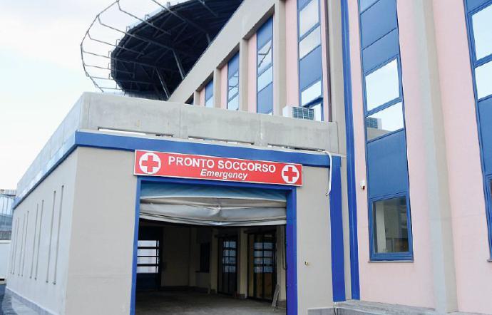 Belpasso, pensionato spara una fucilata: 47enne grave in ospedale