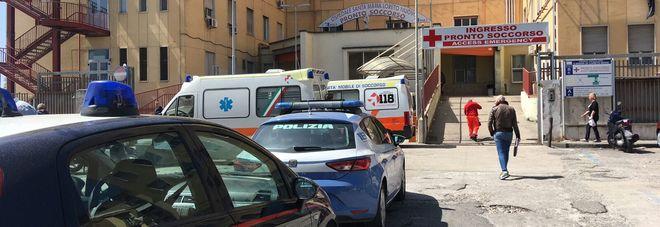 Agguato di camorra a Napoli, ventenne gravemente ferito