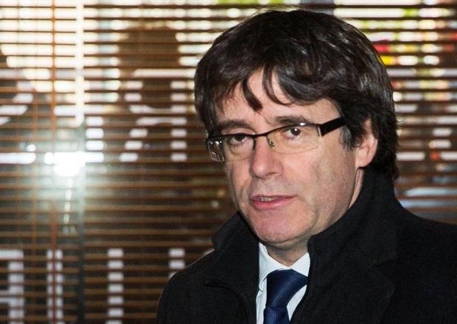 Catalogna, Puigdemont e 4 ministri  dal giudice a Bruxelles