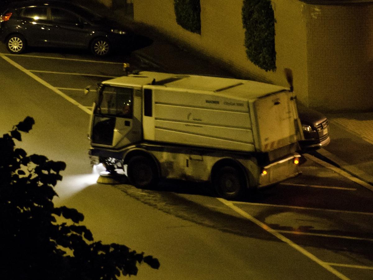 Vittoria, pulizia delle strade: divieto di sosta notturno in centro