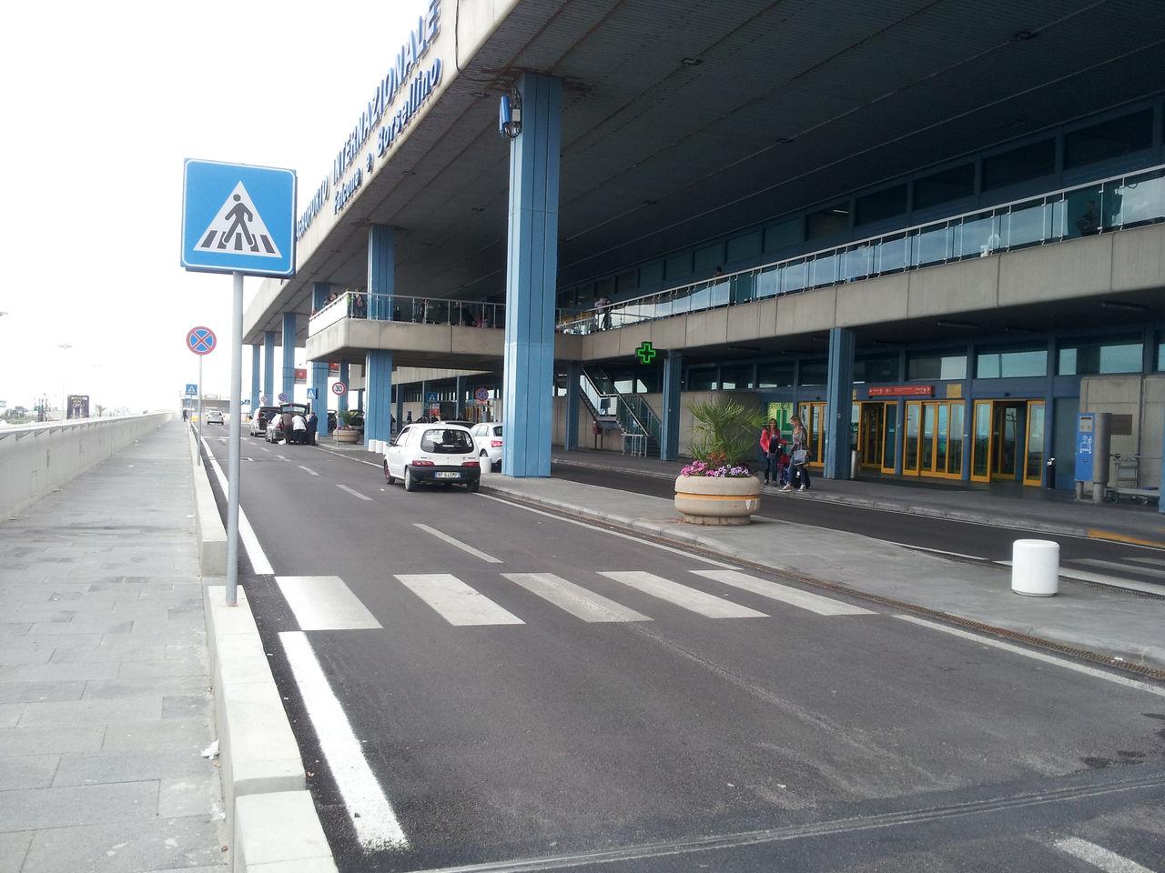 Palermo, stava per imbarcarsi con documenti falsi: preso a Punta Raisi