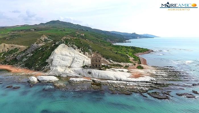 "Associazioni ambientaliste di Agrigento ripuliscono ""Punta bianca"""