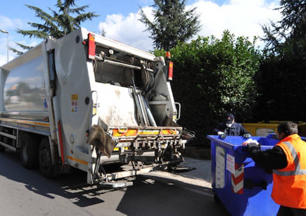 Vittoria, raccolta dei rifiuti: il sindaco annuncia sanzioni per i disservizi