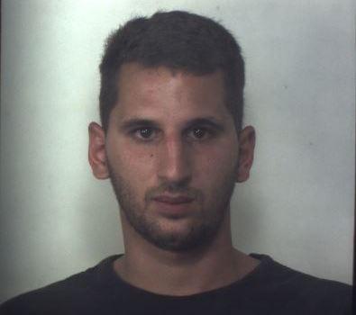 Floridia, è ai domiciliari per droga ma evade: arrestato