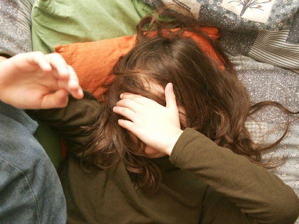 Siracusa, denuncia il figlio per abusi sulla sorella di 12 anni
