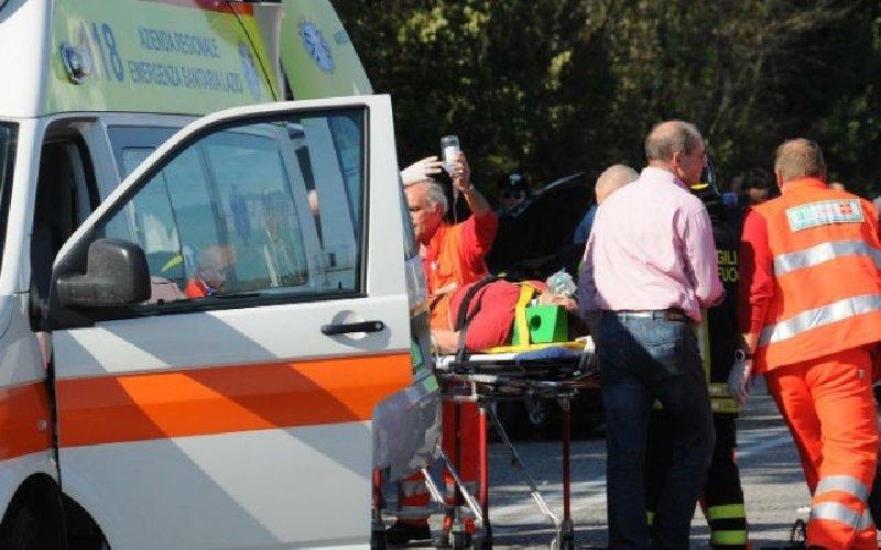 Lastra  di marmo cade da un camion, un ferito grave a Ragusa