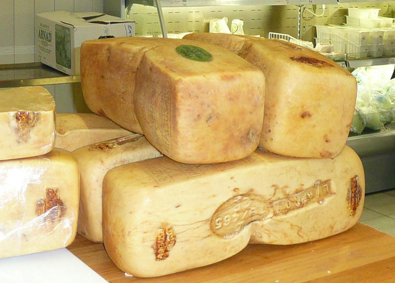 """Il formaggio """"Ragusano Dop"""" fra le derrate alimentari destinate ad aiuti umanitari"""