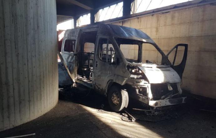 Raid vandalici a Partinico: riparte il servizio per il trasporto disabili