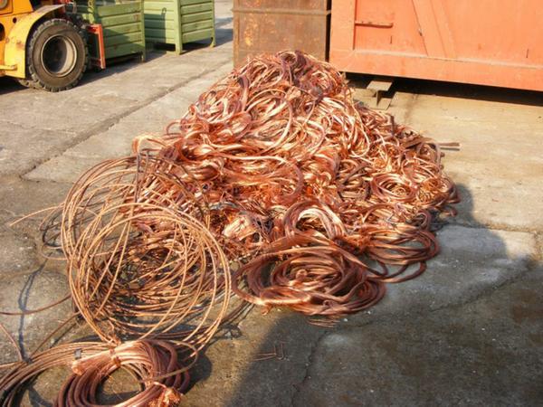 Furti rame: 2,5 chilometri di cavi rubati, treni in tilt fra Gela e Vittoria