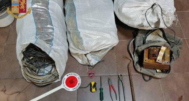 Folgorato da scarica elettrica a Messina mentre ruba rame: è grave
