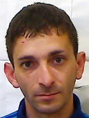 Belpasso, evade i domiciliari e si rifugia in casa della ex: trovato e arrestato